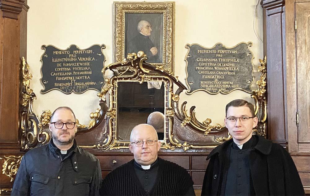 Od lewej: ks. Dariusz Dąbrowski COr, ks. dr Rafał Pajszczyk, ks. Dawid Majda COr